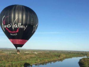 plus gros ballon publicitaire de France avec vinovalley saumur comme partenaire majeur