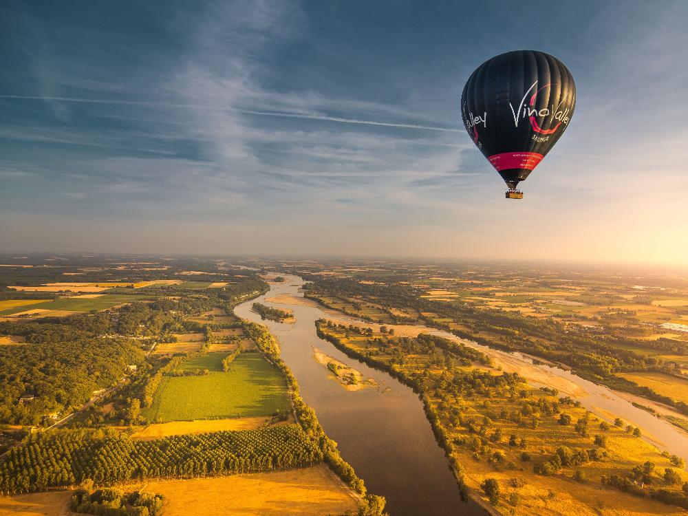 château-val-de-loire-en-montgolfiere