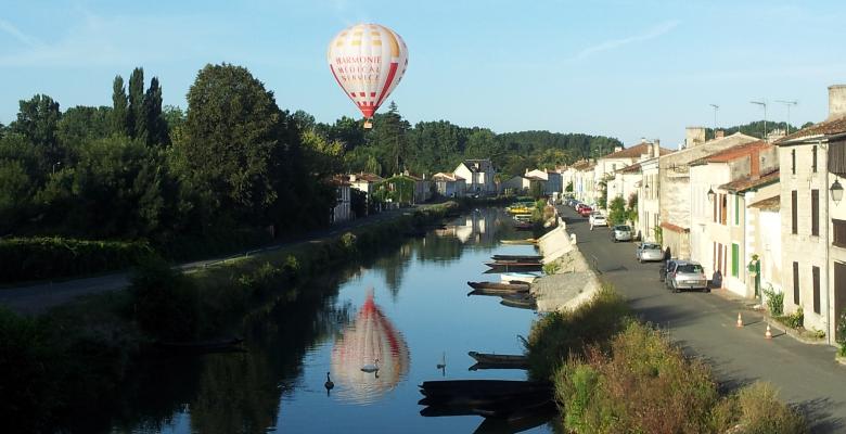 décollage d'une montgolfière à coulon la repentie de magné