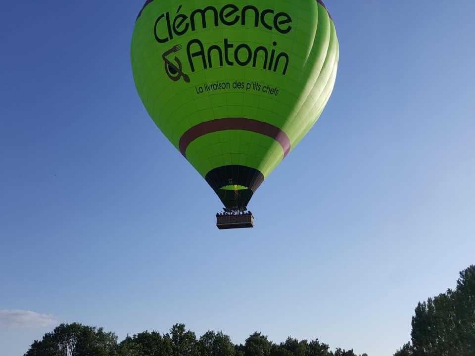 Montgolfière publicitaire Clémence & Antonin