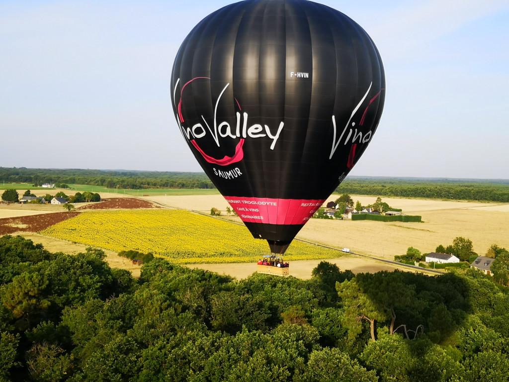 Montgolfière publicitaire Vino Valley Saumur.